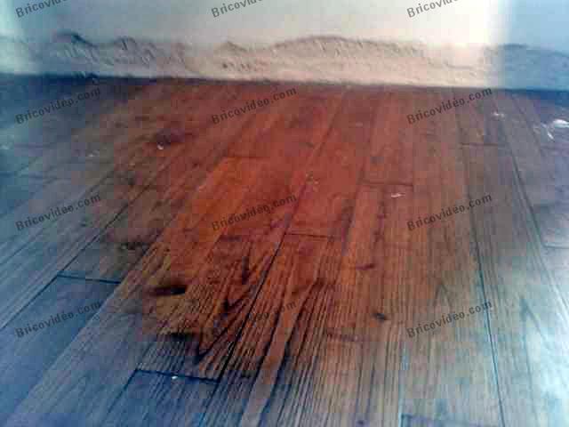 bricolage peinture peindre vieux parquet je voudrais repeindre mon vieux parquet de salon. Black Bedroom Furniture Sets. Home Design Ideas