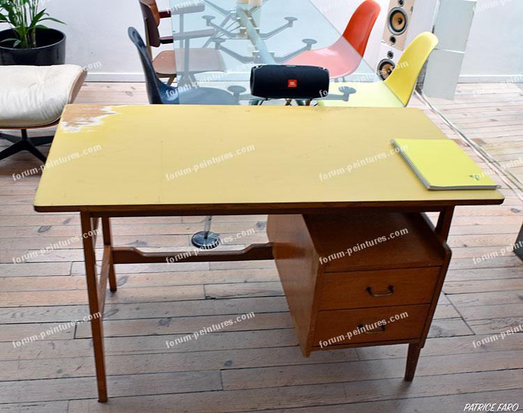 peindre un bureau application de la peinture mar quelles couleurs pour repeindre mes bureaux. Black Bedroom Furniture Sets. Home Design Ideas